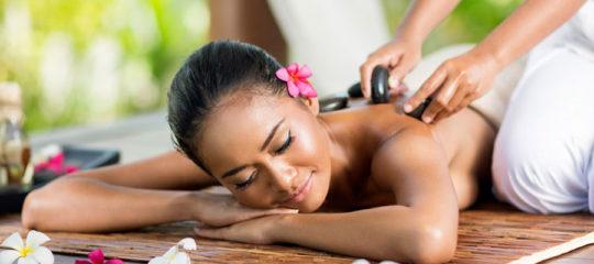 Un massage naturiste